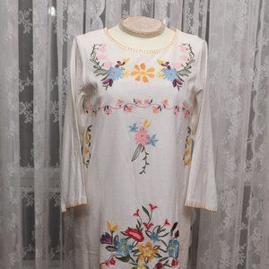 Dear Chestnut - Floral Embroidered Dress - White